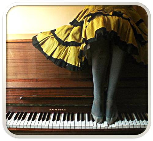 piano pés saia